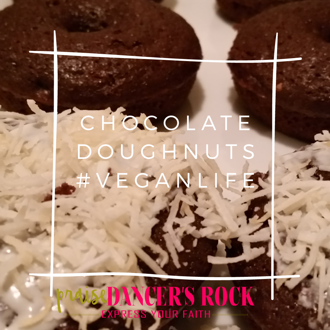 vegan_chocolate_doughnuts